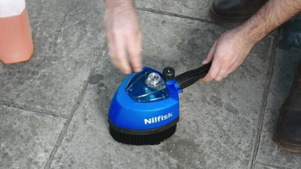 Nilfisk Powergrip Cleaning Car