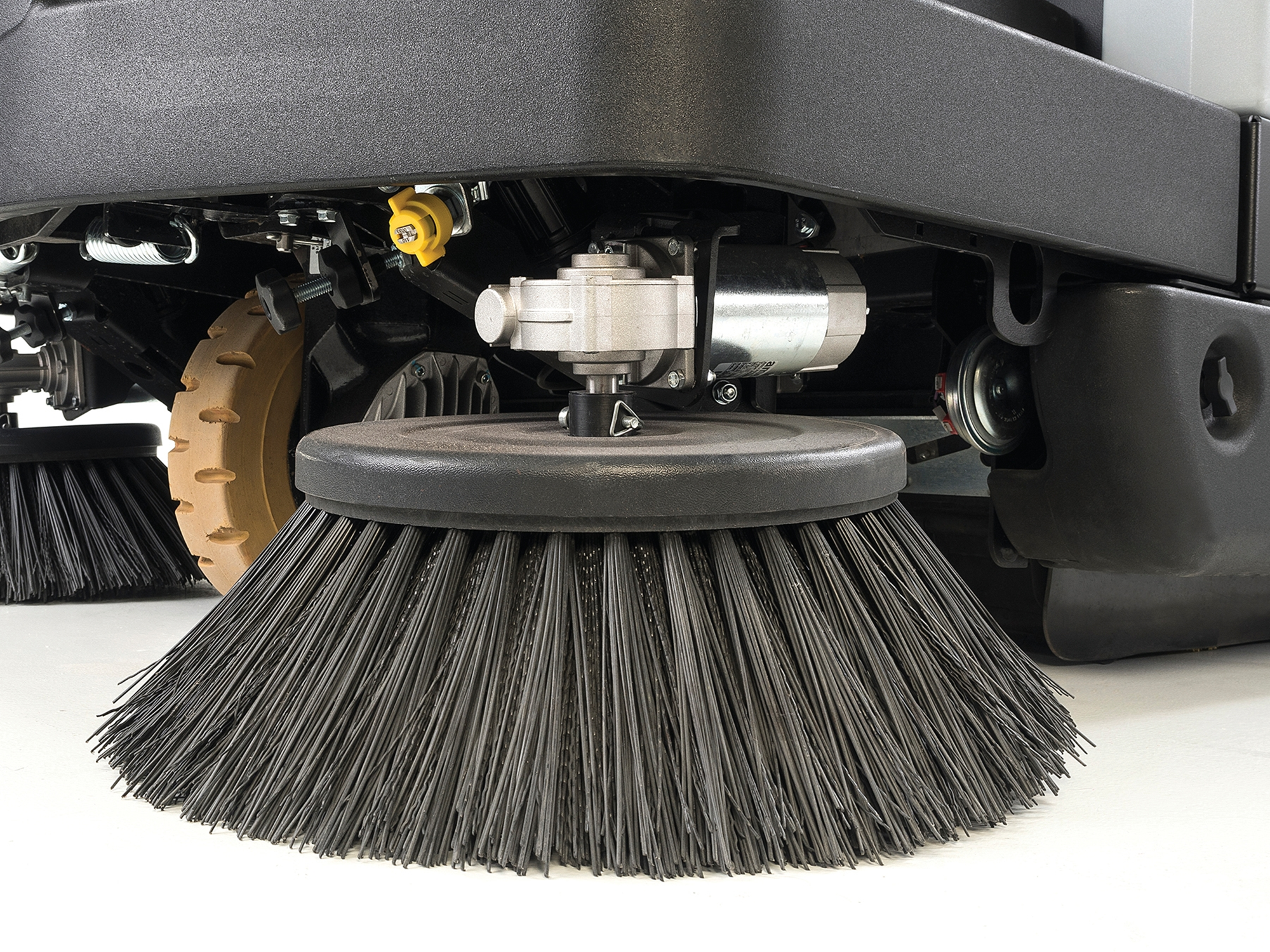 Product, Floor cleaning, Sweepers, Ride-on sweepers, Nilfisk, SW5500 46B 366 AH W/BATT PKG
