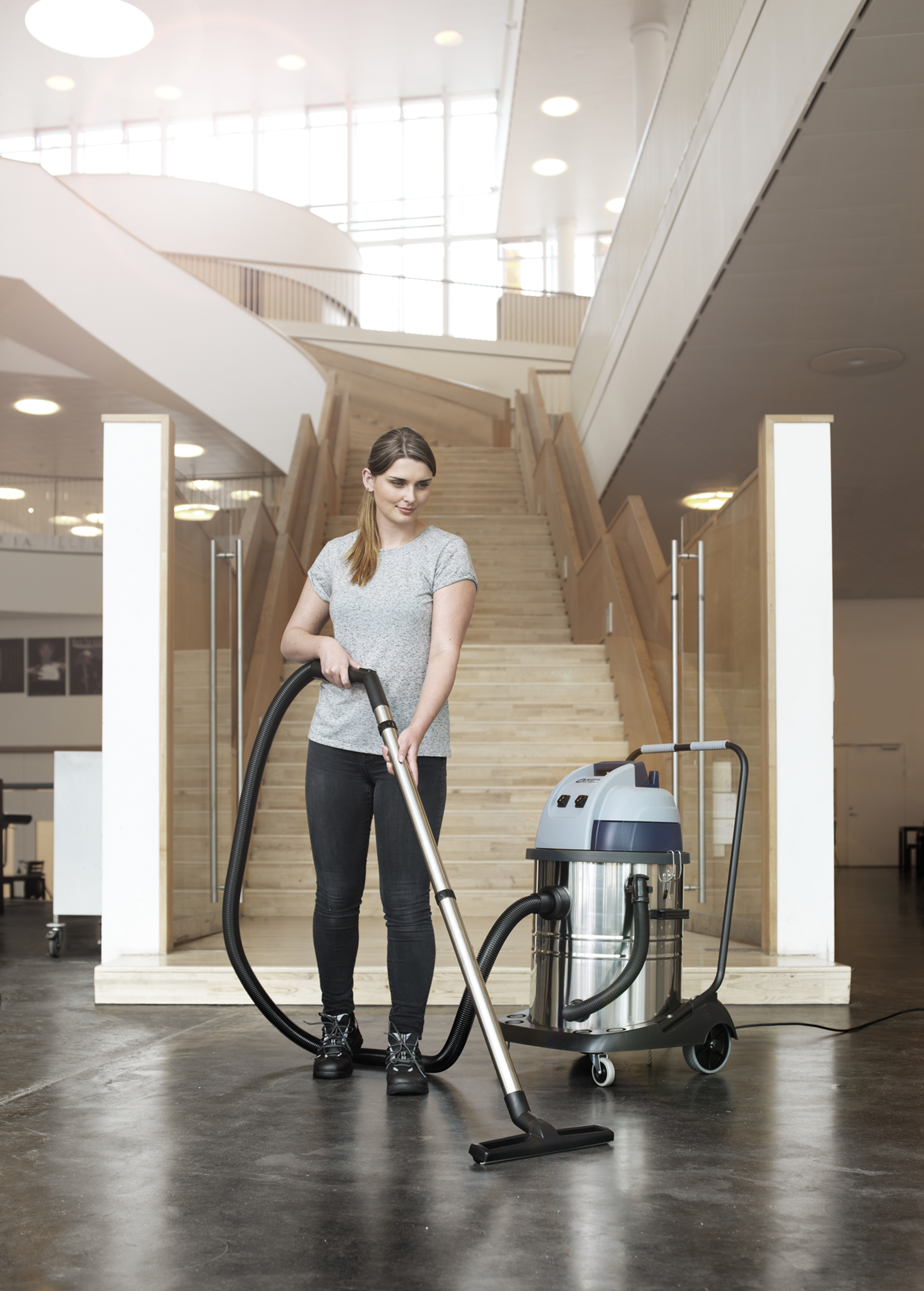 Product, Vacuum cleaners, Commercial vacuum cleaners, Wet and dry vacuum cleaners, Nilfisk, VL100-35 UK GO