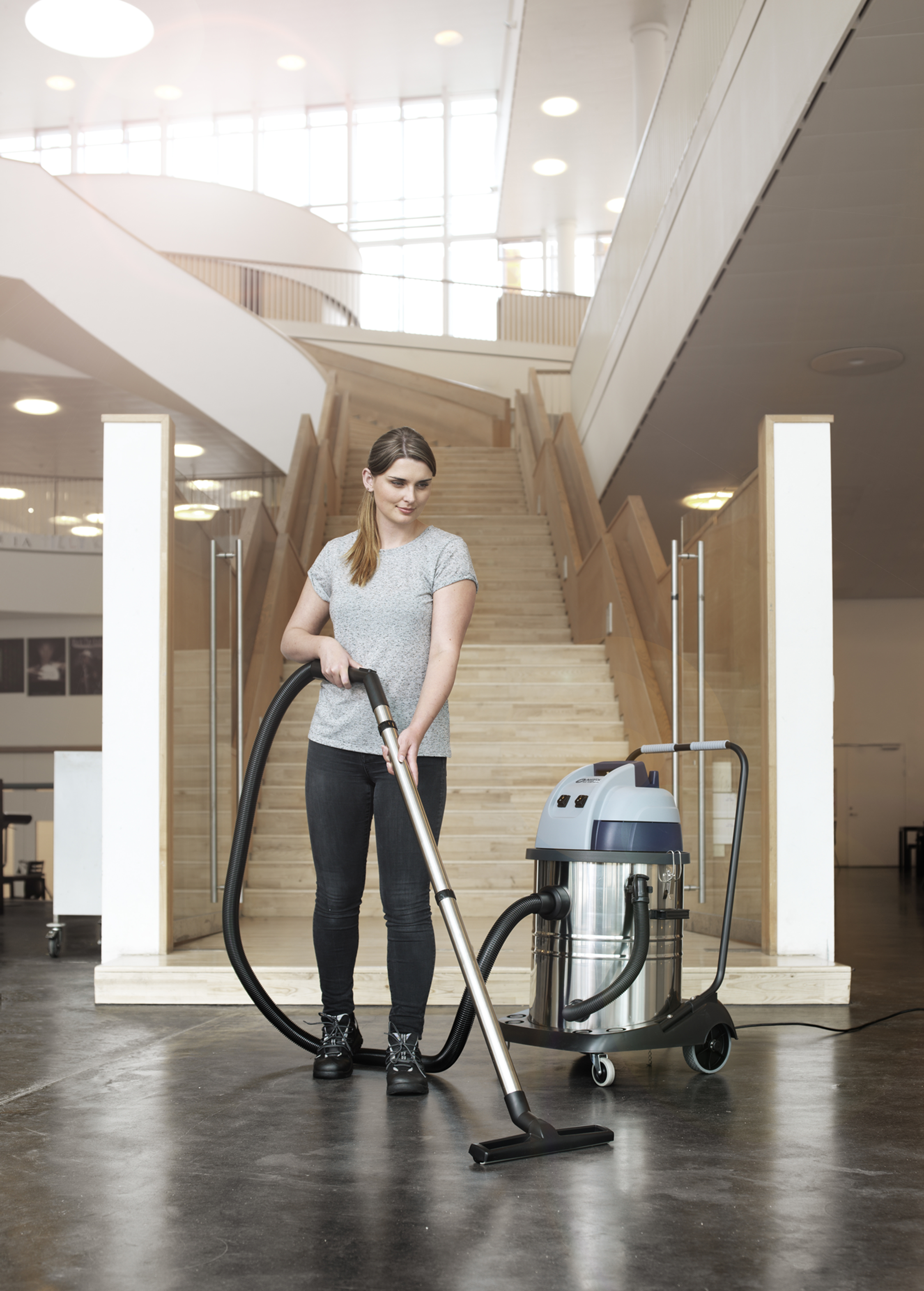 Product, Vacuum cleaners, Commercial vacuum cleaners, Wet and dry vacuum cleaners, Nilfisk, VL100-35 EU GO