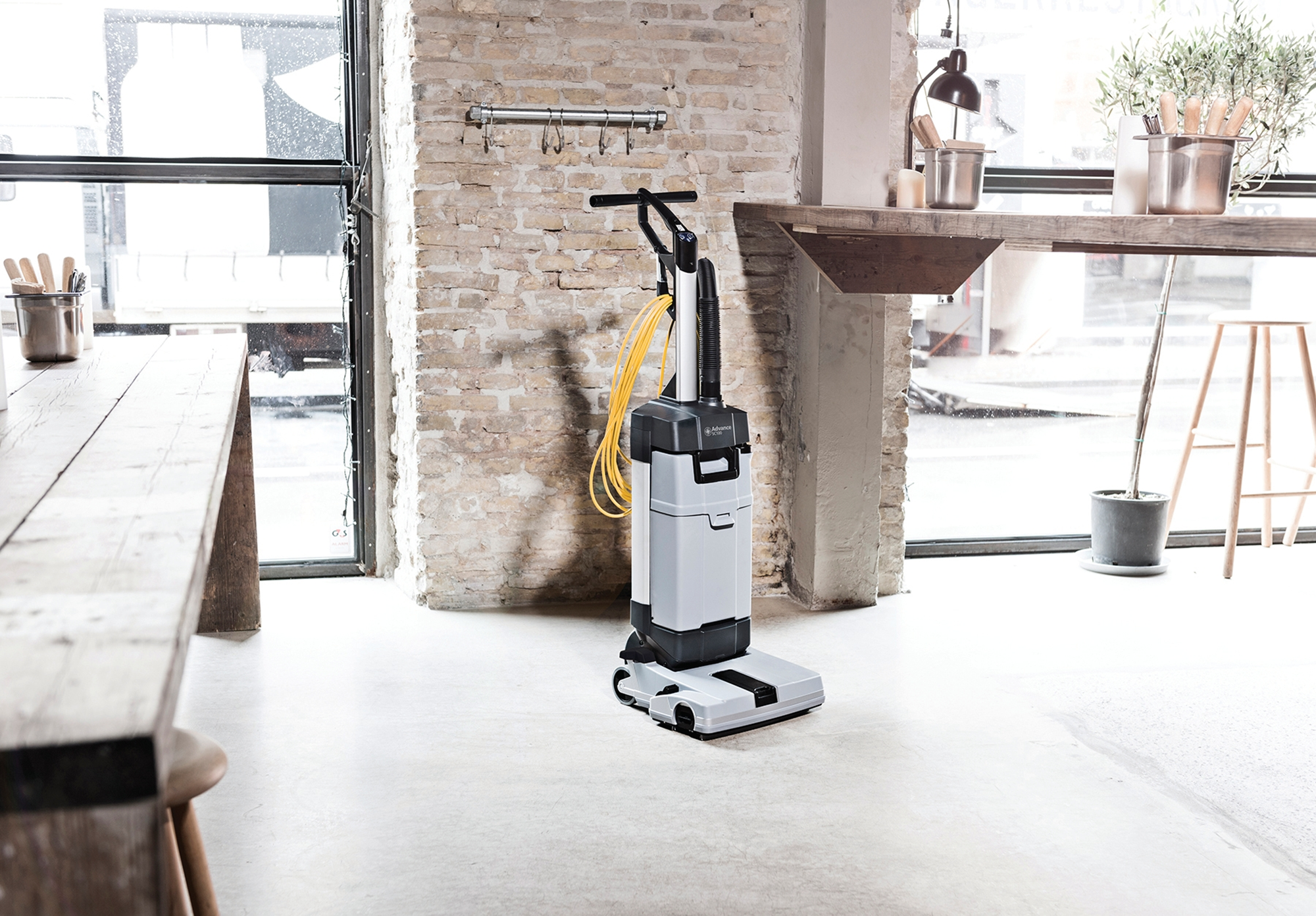 Product, Floor cleaning, Scrubber dryers, Walk-behind scrubber and dryers, Small walk-behind scrubber and dryers, Nilfisk, SC100