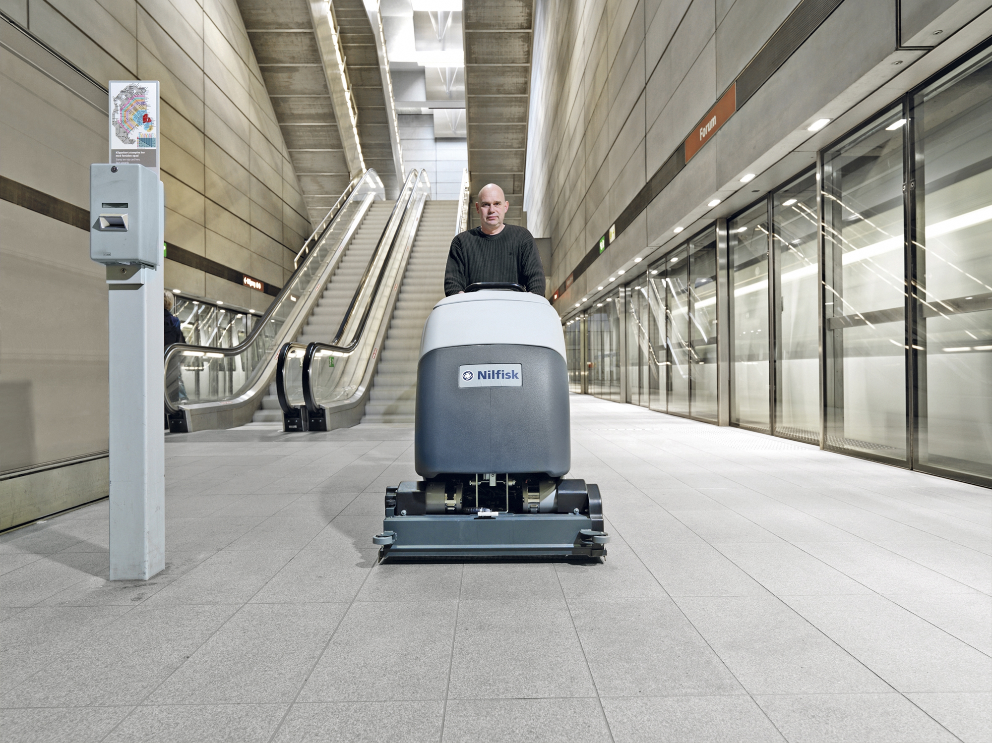Product, Floor cleaning, Scrubber dryers, Walk-behind scrubber dryers, Large walk-behind scrubber dryers, Nilfisk, BA651 OBC G180 PH BR UK