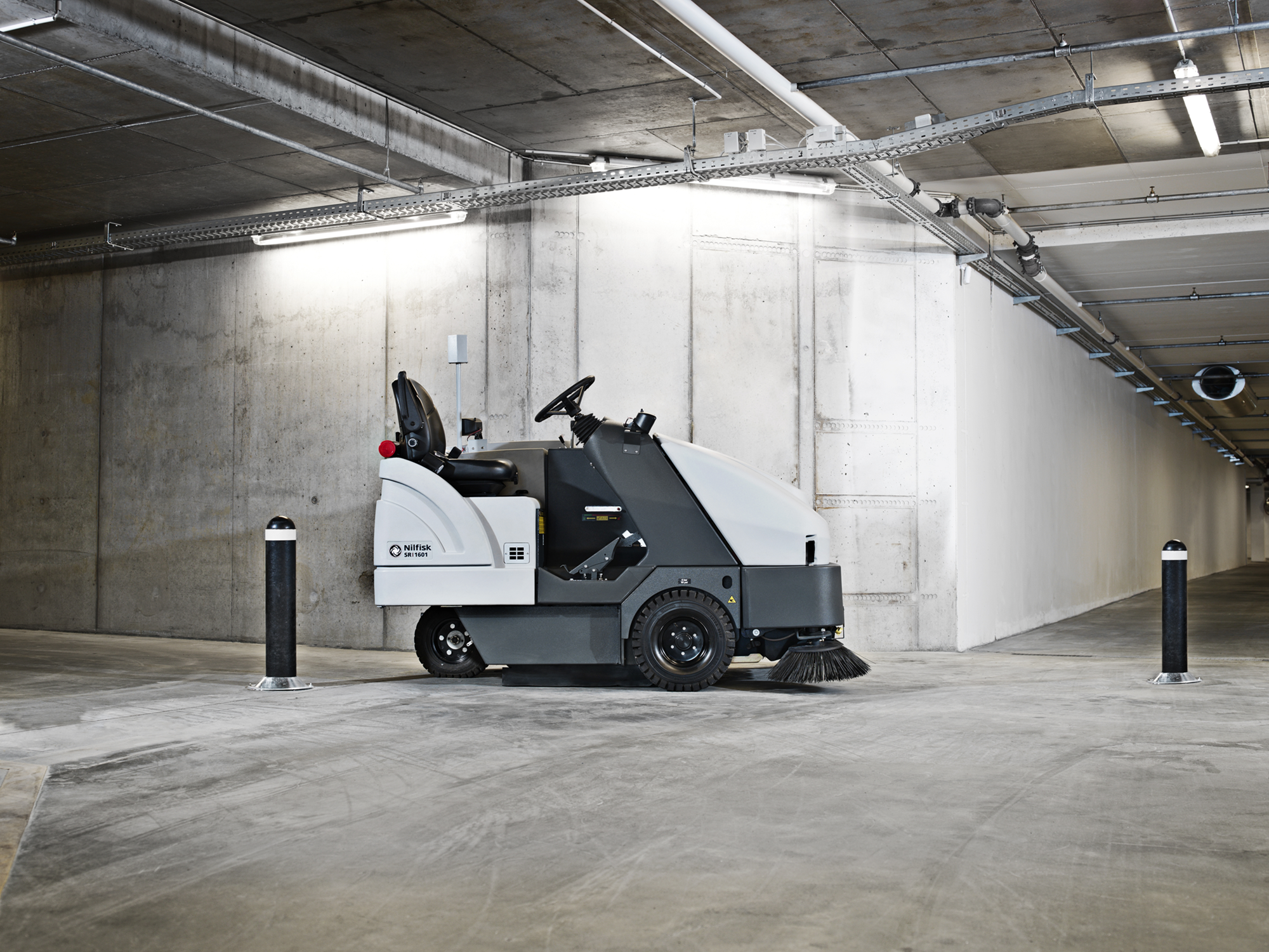 Product, Floor cleaning, Sweepers, Ride-on sweepers, Nilfisk, SWEEPER SR 1601 D3 HD