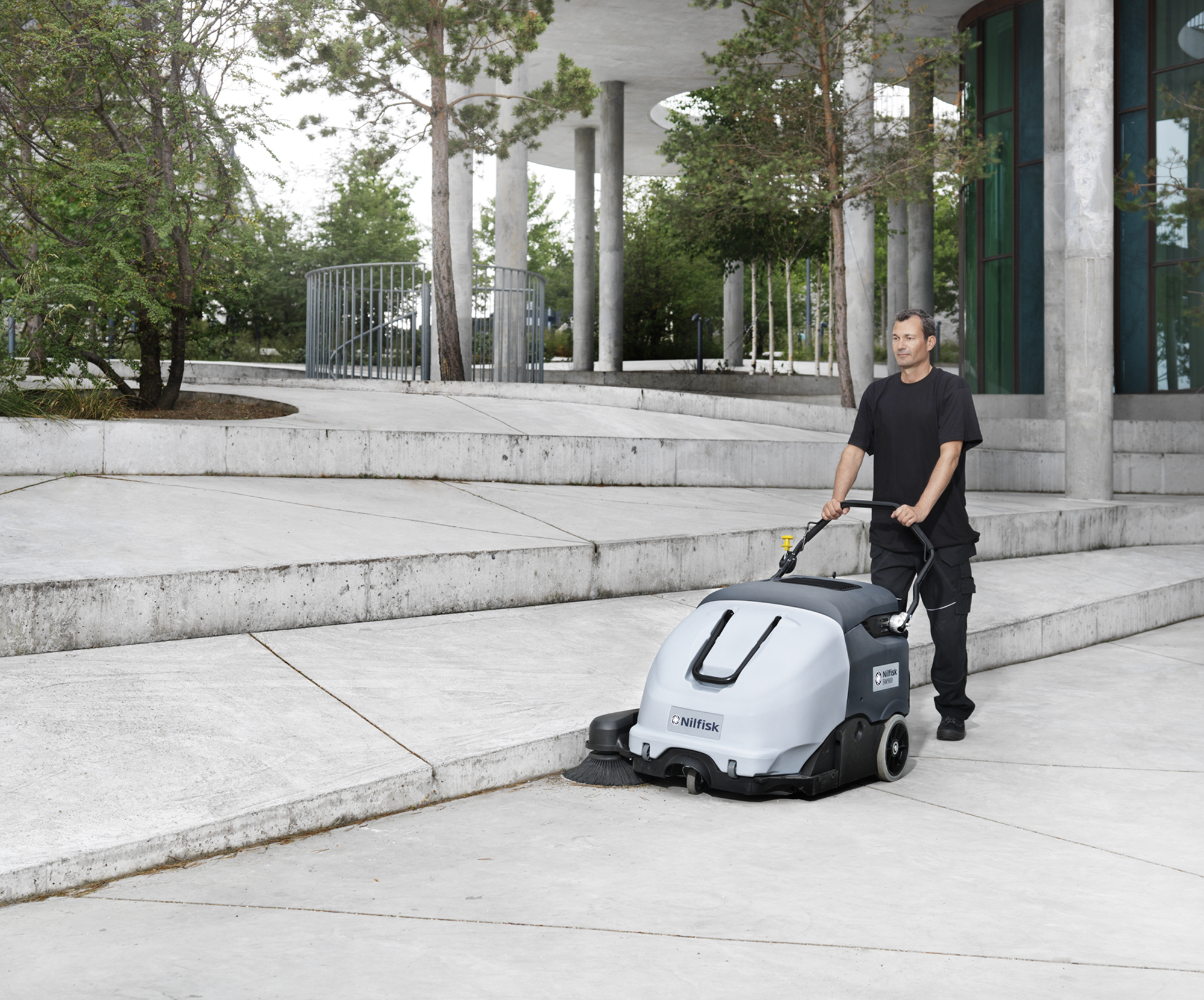 Product, Floor cleaning, Sweepers, Walk-behind sweepers, Nilfisk, SWEEPER SW900 84B (Complete)