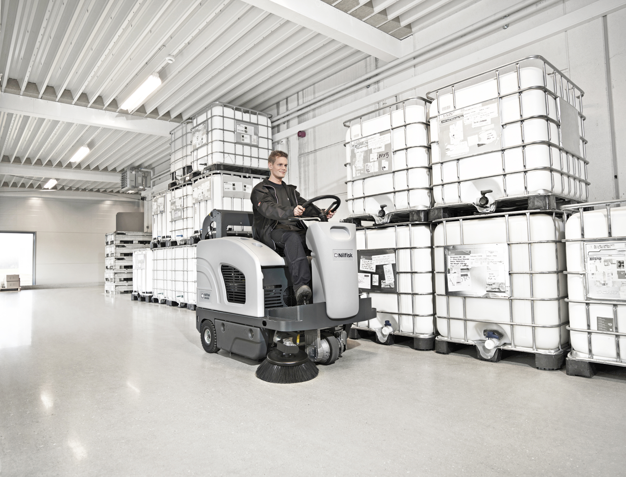 Product, Floor cleaning, Sweepers, Ride-on sweepers, Nilfisk, SWEEPER SW4000 B