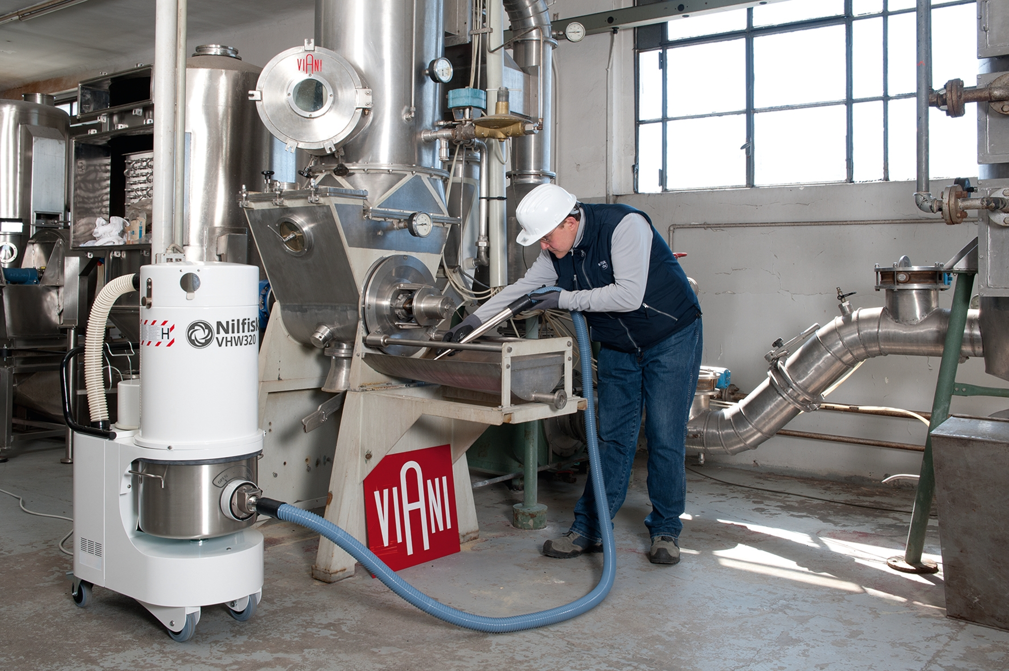 Product, Vacuum cleaners, Industrial vacuum cleaners, Food, pharma and OEM, Nilfisk, VHW320 LC AD