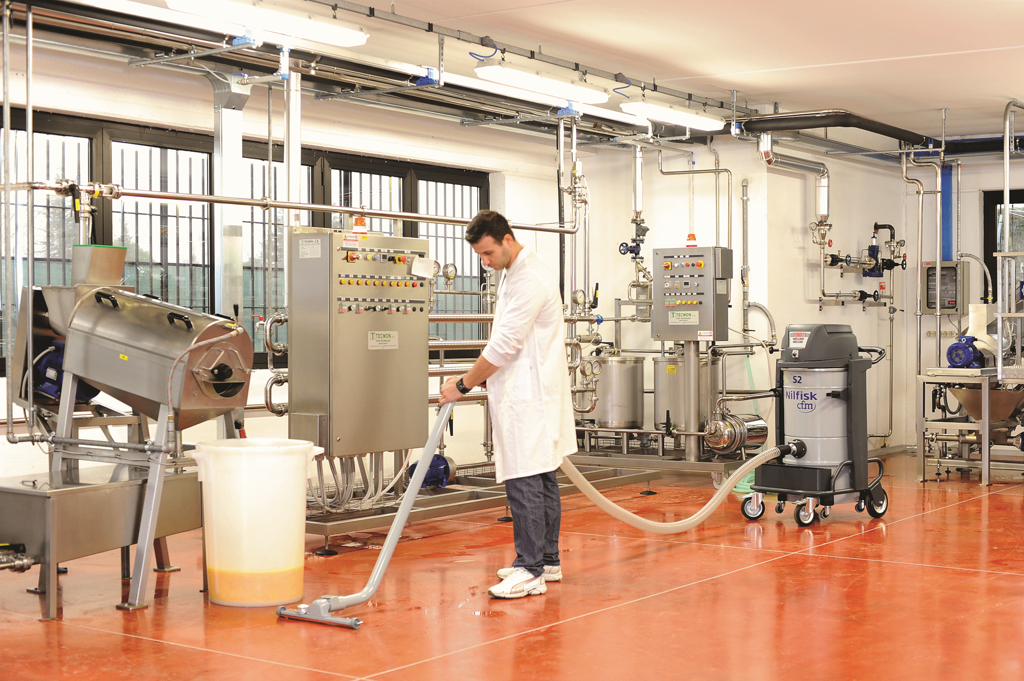Product, Carpet Cleaning, Industrial vacuum cleaners, Single-phase wet & dry, Nilfisk, S2N1A